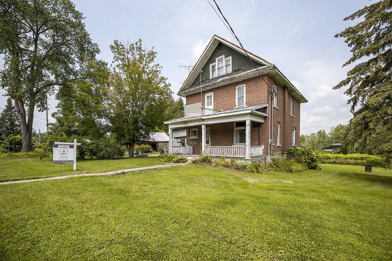 Cavan Farmhouse on 6 Acres